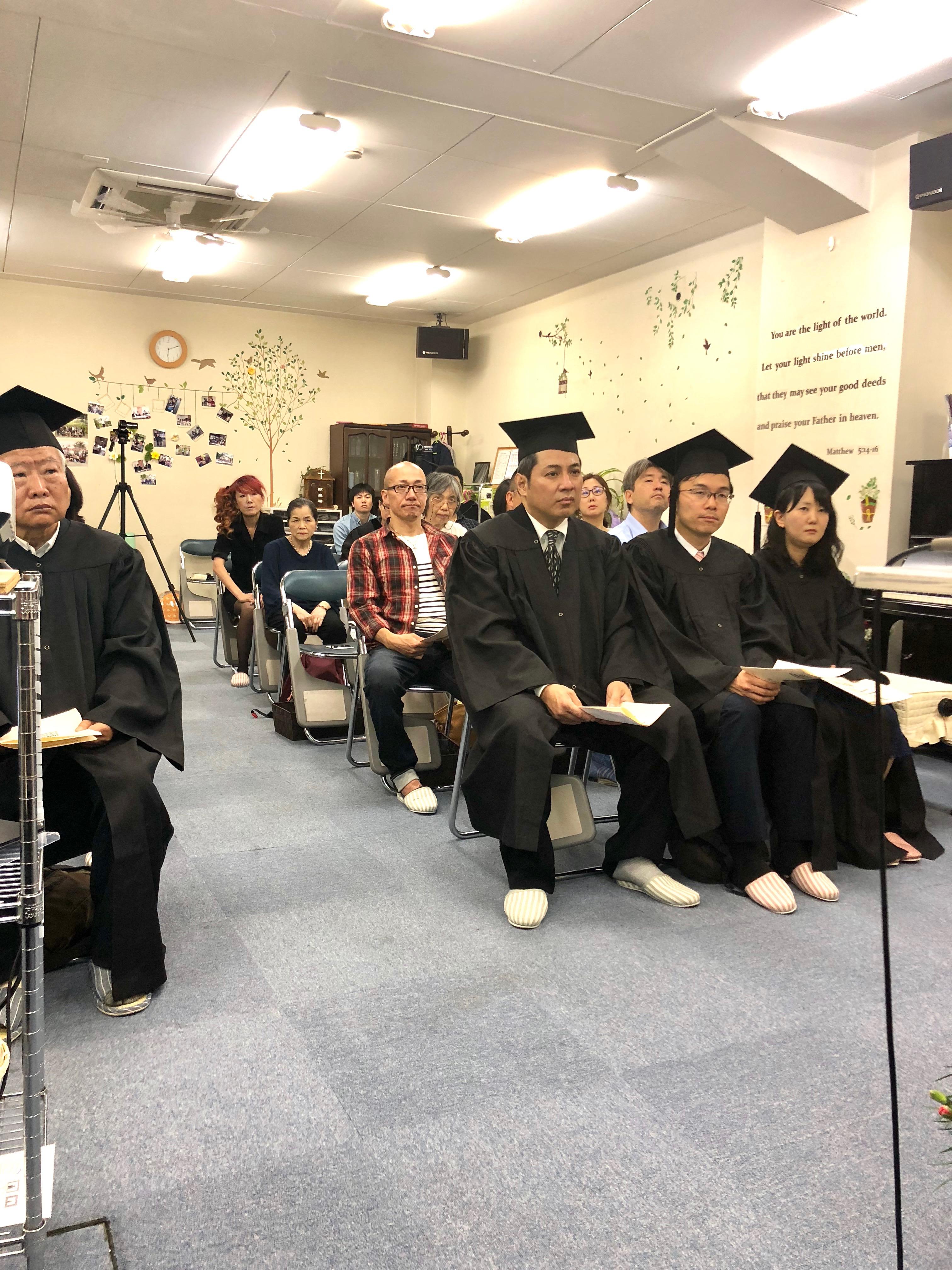 2018年度卒業生たち、おめでとう!.jpeg